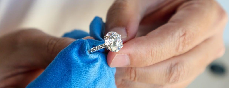 cleaning diamond